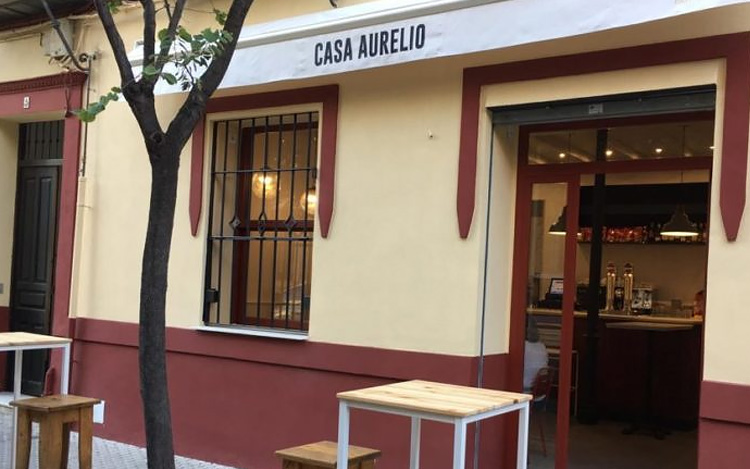 Nuestros vinos en el mítico Casa Aurelio