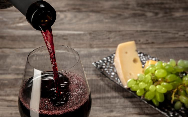 Servir la copa de vino perfecta
